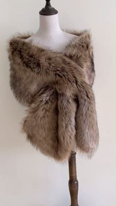 High-quality faux fur bridal wrap, perfect for brides, bridesmaids and events wear. The fur is really soft, the color goes well with all dresses. Wedding Things, Dream Wedding, Faux Fur Stole, Faux Fur Wrap, African Traditional Dresses, Vintage Bridal, Shawls And Wraps, Fairytale, Showers
