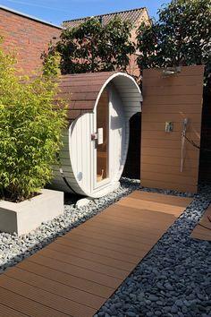 backyard design – Gardening Tips Outdoor Pool Shower, Outdoor Sauna, Outdoor Areas, Outdoor Life, Small Garden Buildings, Diy Sauna, Outside Showers, Barrel Sauna, Sauna Design