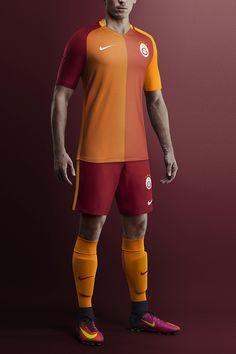 Camisas do Galatasaray 2016-2017 Nike Titular Uniformes Futebol c66c4f969c250