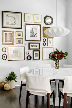 A gallery wall is a unique way to display artwork, but we've always been deterred from trying one in our home because they look, well, tricky to create. So we tapped Homepolish designer Katherine Carter to get her tips—follow her five easy steps below to build your own gallery wall