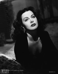Hedy Lamarr ..... I LOVE old hollywood photos...