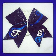 Is this real life? so cute Cheerleading Bows, Cheerleading Uniforms, Cheer Bows, Blue Bow, Navy Blue, Bow Board, The Make, How To Make, Cheer Hair
