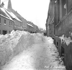 Zima  1979 rok Poland Country, Winter Scenery, Old Street, Bratislava, Warsaw, Retro, Planet Earth, Childhood Memories, Past