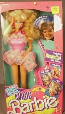 thought it was so cool her skirt could be used as a scrunchie Barbie 90s, Barbie World, Barbie Style, Barbie Dream, Barbie Playsets, Baby Dolls, Dolls Dolls, Kids Zone, Barbie Accessories