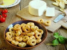 Cacioricotta Italian cheese and tarallini