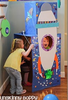 DIY Rocket ship photo booth at a space themed birthday blast off party. - DIY Rocket ship photo booth at a space themed birthday blast off party. Use a few cardboard boxes - Outer Space Party, Outer Space Theme, Birthday Blast, Birthday Party Themes, Birthday Ideas, Fabulous Birthday, Colorful Birthday, Birthday Diy, Birthday Cake