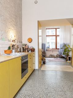 FIEP - kitchen Terrazzo Flooring, Kitchen Flooring, Kitchen Dining, Kitchen Decor, Kitchen Colors, Beautiful Kitchens, Kitchen Interior, Home And Living, Interior Inspiration