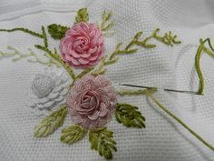 Wonderful Ribbon Embroidery Flowers by Hand Ideas. Enchanting Ribbon Embroidery Flowers by Hand Ideas. Hand Embroidery Videos, Embroidery Flowers Pattern, Hand Embroidery Stitches, Hand Embroidery Designs, Embroidery Patterns, Applique Designs, Ribbon Embroidery Tutorial, Silk Ribbon Embroidery, Paper Embroidery
