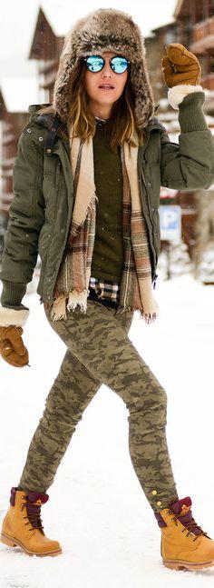 boots: Panamá Jack pants: Zara hat: H&M jacket: Gas Jeans sweater: Zara scarf: Massimo Dutti gloves: Ugg
