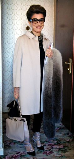 costanza pascolato - her look just screams old money but wow she is glamorous
