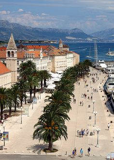 I've always wanted to go to Croatia. This is a place called Trogir Places Around The World, The Places Youll Go, Places To See, Around The Worlds, Dubrovnik, Montenegro, Voyage Europe, Croatia Travel, Italy Travel