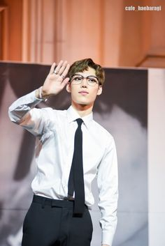 #Yijeong #History so sexy in glasses
