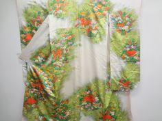 草花模様刺繍振袖