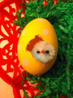 chick peephole easter egg