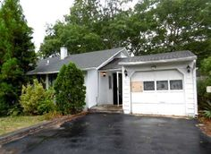46 Pine Court Riverhead, NY, 11901 Suffolk County | HUD Homes Case Number: 374-446662 | HUD Homes for Sale