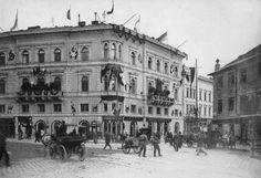 """Фрагмент попередньої споруди готелю """" Жорж """" праворуч, фото кінця XIX ст."""