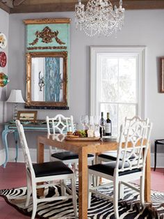 Shabby to Chic: Five Ways to Revamp and Modernize Your Shabby Chic Room - Sweet Home And Garden Bright Dining Rooms, Sweet Home, Dining Room Inspiration, Dining Room Chairs, Dining Table, Dining Area, Decoration, Living Room Decor, Interior Design