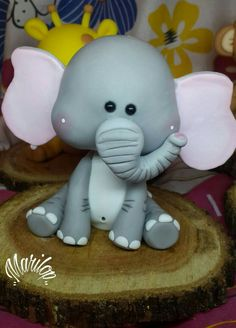 Otras artesanas 🌹 jungle thema taarten, polymeer klei dieren, dierentuin t Cute Polymer Clay, Polymer Clay Animals, Polymer Clay Crafts, Polymer Clay Creations, Polymer Clay Elephant, Jungle Theme Cakes, Jungle Party, Modeling Chocolate Figures, Fondant Animals
