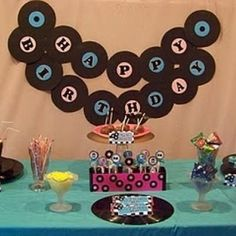 Sock Hop Birthday Party – Tip Junkie 50s Theme Parties, 70th Birthday Parties, 50th Party, Birthday Ideas, Grease Themed Parties, Fifties Party, Retro Party, 1950s Party, 70s Party Decorations