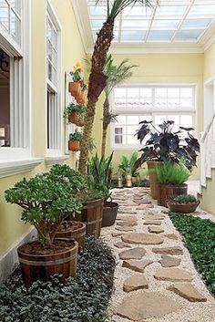 Interior y fuentes de jardín