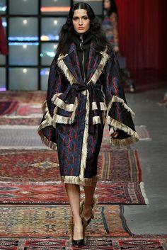 Anti Fashion, Abaya Fashion, Vogue Fashion, Fashion Sewing, Kimono Fashion, Fashion Models, Iranian Women Fashion, Womens Fashion, Rihanna Street Style