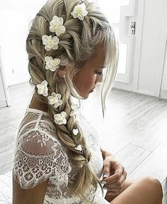 Hair straightening! Gorgeous Spring floral hair. Tag someone who'd love it! Credit: @hildeee by inspirehairstyles