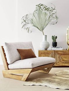 idea for garden chair /golden oasis. Cactus blooms to life as a modern brass table lamp with vintage vibes. Borrowed from Fred Segal's design archives, we love its organic yet sculptural lines. Pallet Furniture, Furniture Projects, Living Room Furniture, Furniture Design, Antique Furniture, Cheap Furniture, Modern Furniture, Furniture Dolly, Outdoor Furniture