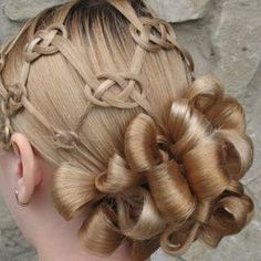 Pretzel knot updo! Link for the knots: http://www.princesshairstyles.com/2012/04/pretzel-knot-hairstyle.html