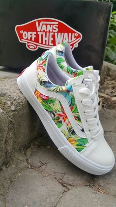 Vans-Custom Vans Rose Vans Old Skool Vans-Men/Women/Youthvans flowering vans - - Sneakers , Customised Vans, Custom Vans Shoes, Custom Made Vans, Vans Old Skool Custom, Vans Shoes Old Skool, Cute Sneakers, Vans Sneakers, Converse, Hype Shoes