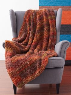 Free Pattern - This Cozy and Quick blanket is a satisfying project for beginner knitters! #knit