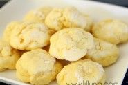 Gooey Butter Cookies http://lilluna.com/recipe-tip-of-the-week-gooey-butter-cookies/