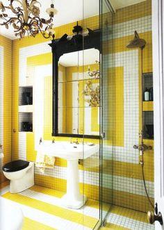 hotel chic bathroom via World of Interiors World Of Interiors, Yellow Bathrooms, Yellow Bathroom Decor, Bathroom Interior, Bathroom Decor, Beautiful Bathrooms, Chic Bathrooms, Bathroom Interior Design, Bathroom Design