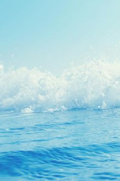 Some frothy breaks to bring that sweet-salty-breeze of ocean water back into my mind.  // #ROXYOutdoorFitness