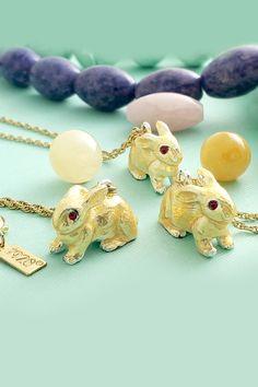 Semiprecious Gemstone Gold Cufflinks Beaded Goldtone Men/'s Vintage Statement Jewelry Linear Design Cuff Links Tiger/'s Eye Green Quartz