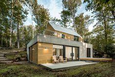 Spahouse je projektem montrealského studia YH2 Architecture, jehož cílem je vytvořit inovativní model pro integraci moderní architektury do přirozeného prostředí. Jedná se v podstatě o dům na klíč pro novou generaci majitelů domů, kteří již netouží po tradičních srubových domech, ale zajímá je moderní design a architektura. Přitom je neláká ruch města, ale spíše klid poklidného života v přírodě. Domy se nachází v krásné venkovské lokalitě na břehu jezera Lac Supérieur nedaleko Montrealu. …