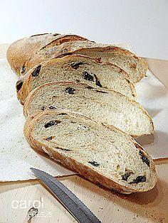 Carol 自在生活 : 歐式葡萄乾全麥麵包