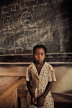 Madagascar, la fille à la leçon by F.R. Durand