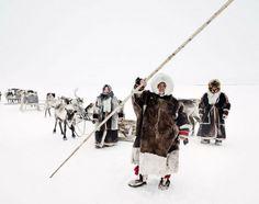 Extraordinarias fotografías de tribus realizadas en un largo viaje por los más remotos rincones