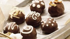 Looking for a delicious holiday gift idea? These delectable morsels are for the chocoholics on your list! Chocolate Wafers, Melting Chocolate Chips, Chocolate Frosting, Chocolate Truffles, Chocolate Desserts, General Mills, Chocolates, Almond Bark, Marshmallow Creme