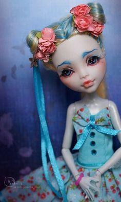 Lagoona Blue by Prescilla