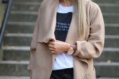 Imagen vía We Heart It https://weheartit.com/entry/155009990 #beautiful #beauty #black #classy #clothes #coat #cool #cute #fashion #food #girl #girls #gorgeous #Hot #inspiration #inspo #love #luxury #makeup #outfit #photo #photography #pretty #sexy #style #white