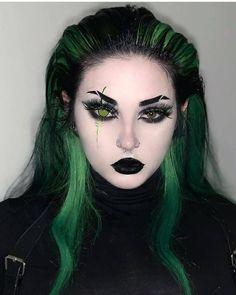 Edgy Makeup, Scary Makeup, Makeup Inspo, Makeup Art, Makeup Inspiration, Makeup Looks, Hair Makeup, Halloween Face Makeup, Lila Make-up