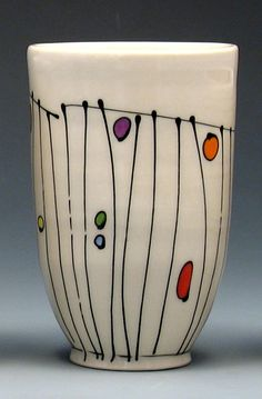 Pottery Line - Free Ceramics Porcelain Painting Ideas, Glass Painting Designs, Pottery Painting Designs, Pottery Designs, Ceramic Painting, Ceramic Vase, Bottle Painting, Bottle Art, Pottery Vase