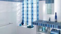 Briques verre salle bains bleue