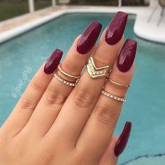 Fall burgundy nails