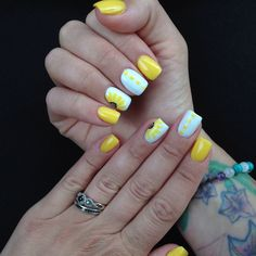 Yellow shellac, hand drawn sunflower accent nails. Summer nails, summer shellac, shellac on acrylic