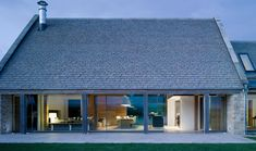 House in a barn designed by McLean Quinlan Architects; Stow on the Wold, Winchester / GB
