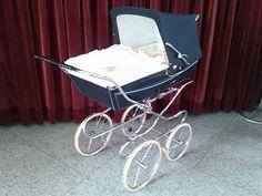 Vintage Pram, Baby Prams, Baby Carriage, Retro, Kids And Parenting, Bobs, Baby Strollers, Children, Stuff Stuff