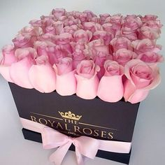 And now for your #floral pleasure:  @theroyalroses . . . . #theroyalroses #seaofroses #luxuryroses #roses #pinkroses #boxofroses