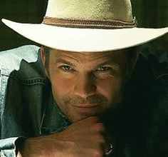 Raylan: click on & he'll talk to you.